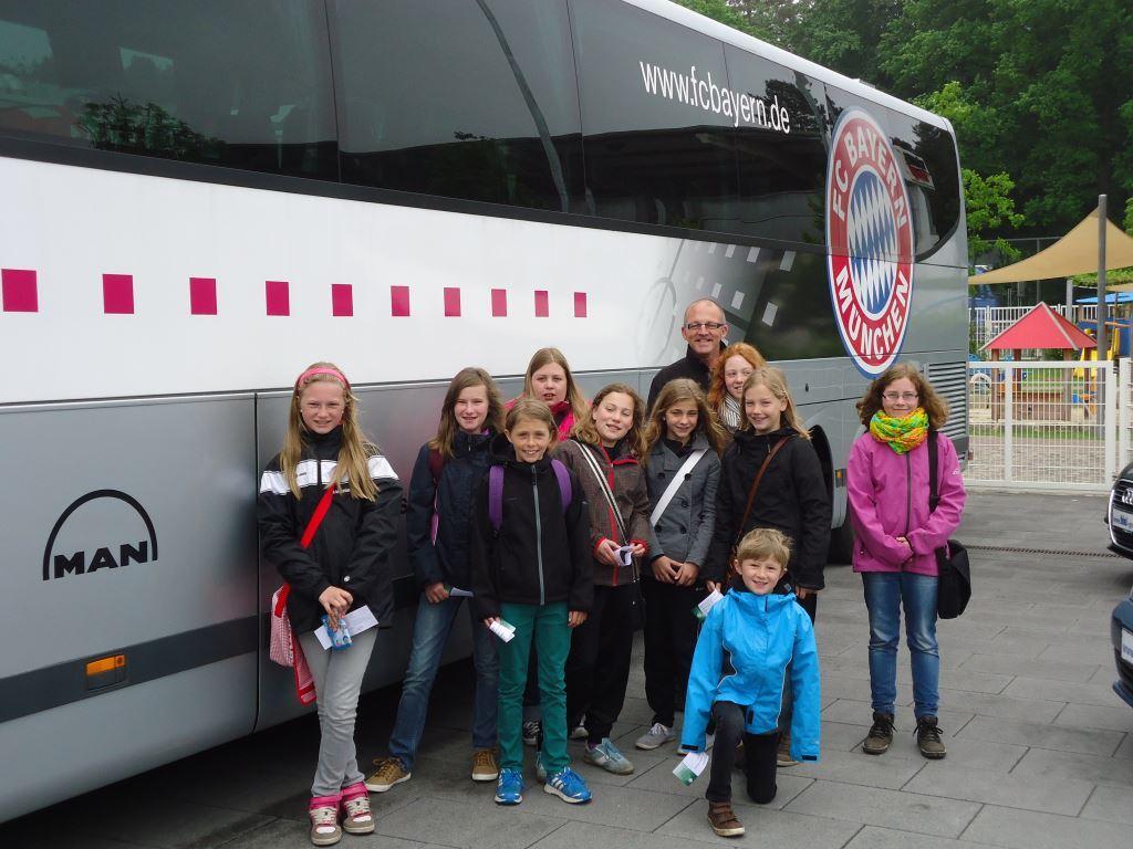 Maedchen_Meisterschaft_Bus