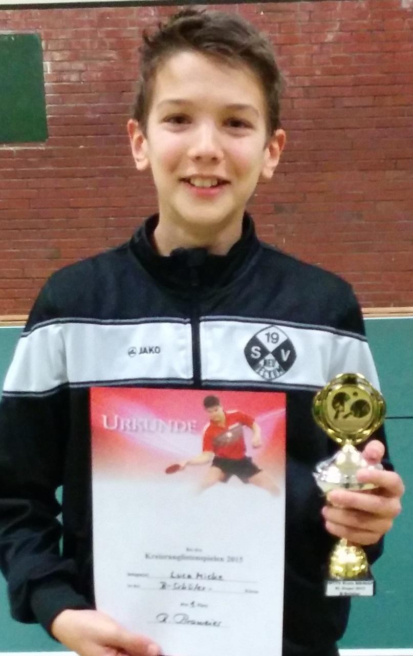 Luca Micke nach seinem Turniersieg beim Kreisfinale der B-Schüler