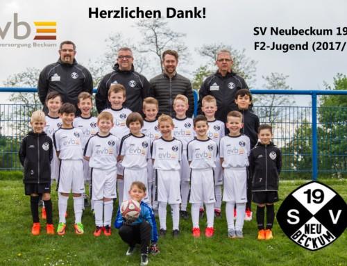 F2-Jugend des SV Neubeckum bedankt sich bei der evb