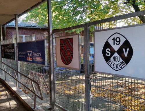 Zaun im Innenhof erstrahlt in neuem Glanz –  Werbung, Wappen, Fotos und unser Vereinsjubiläum 2019 wird präsentiert!